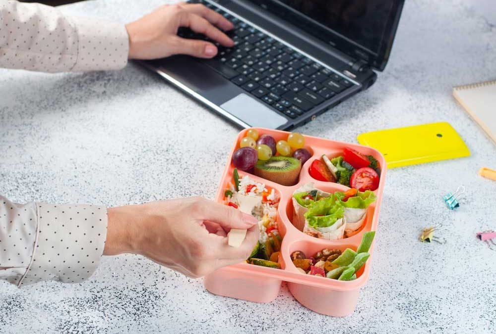 Dal deskfast alla schiscetta: portarsi il pranzo da casa è la nuova moda